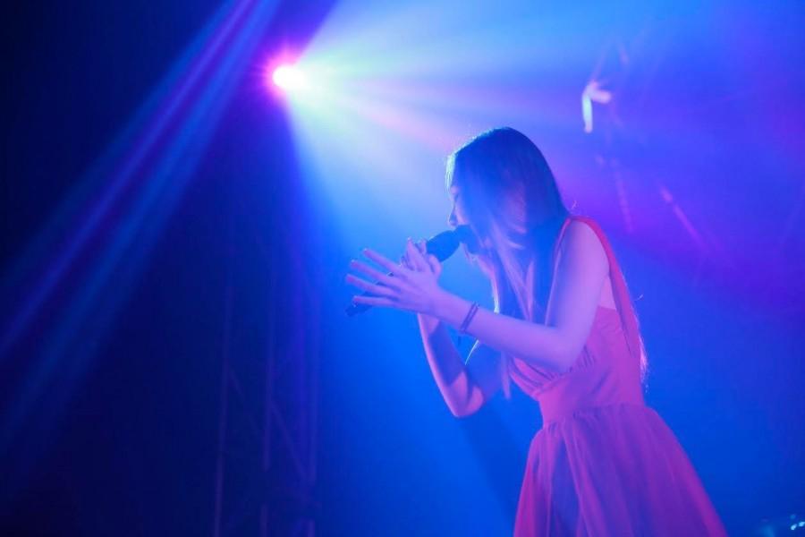 """ななみ、「機動戦士ガンダムユニコーン RE:0096」ライブイベント""""RE:UnChild""""で熱唱!Aimer&Tielleとのデュエットも"""