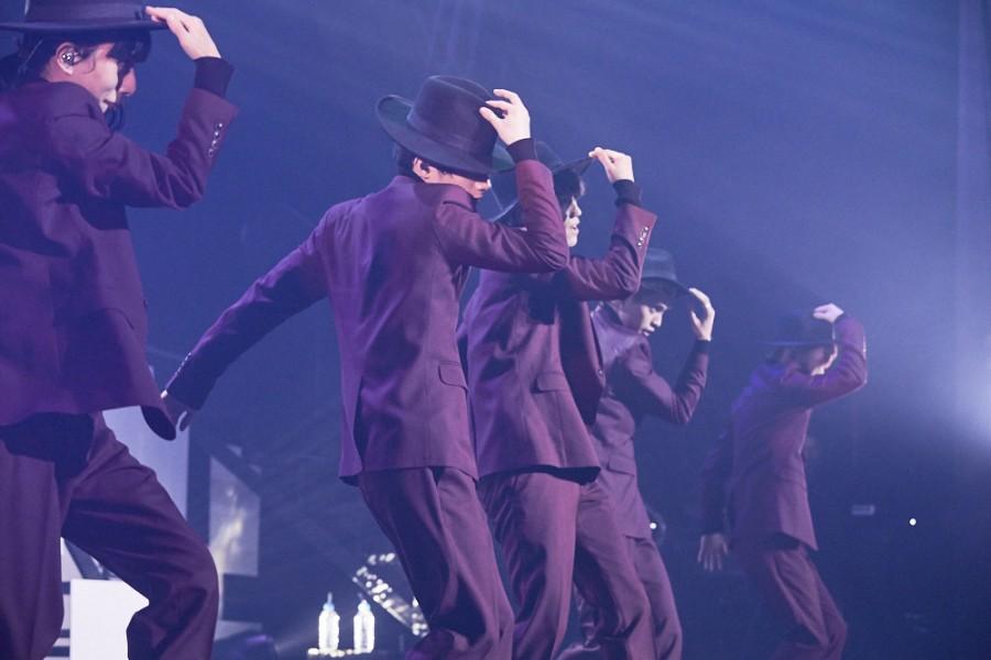 <ライブレポ>XOX、クリスマスソングで観客を魅了!~ワンマンに完全密着