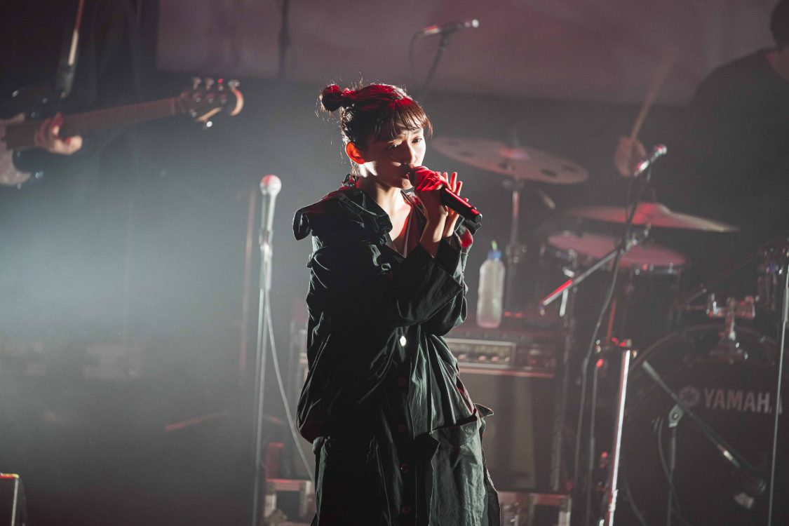 """ナナヲアカリ「しあわせシンドローム」の集大成となるマンガ""""MV""""を公開!そして次作 「DAMELEON」へ。"""