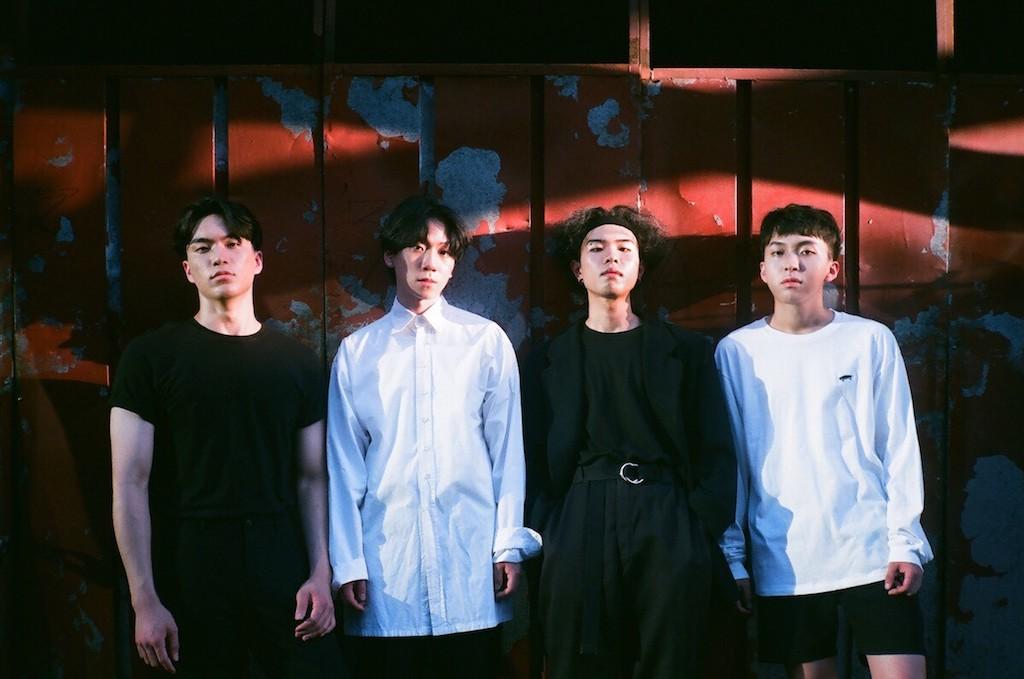 韓国のロックシーンから現れた、世界基準のバンドSURLとは?