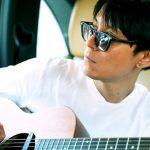 渋谷すばる、全てを脱ぎ捨てる誠実なシンガーソングライター